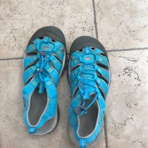 Keen sandals blue with gray accents